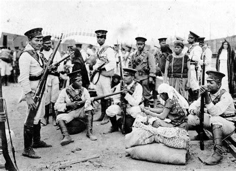 Mexican Federales during the Mexican Revolution, c. 1914 ...