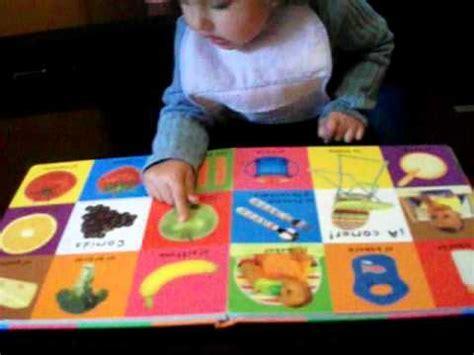 Mi niña Yashira con 18 meses,señalando los colores y ...