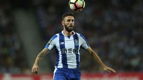 Miguel Layun making the most of his Porto chance   ESPN FC