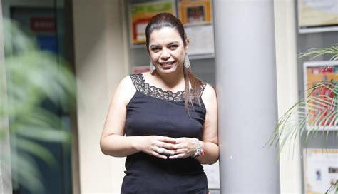 Milagros Leiva: Periodista se alista para la conducción de ...