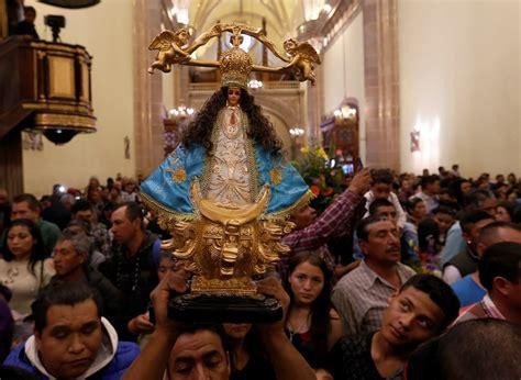 Miles de peregrinos llegan a San Juan de los Lagos por la ...