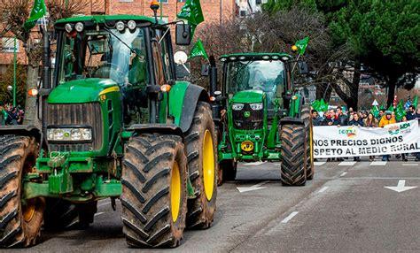 Miles de tractores cortaron rutas en España en protesta ...