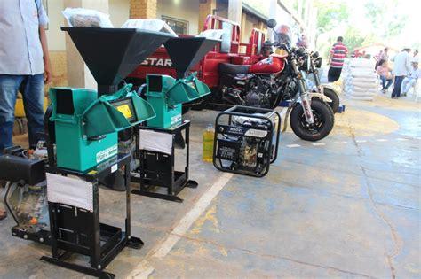 Ministerio de Agricultura entrega insumos y maquinarias a ...