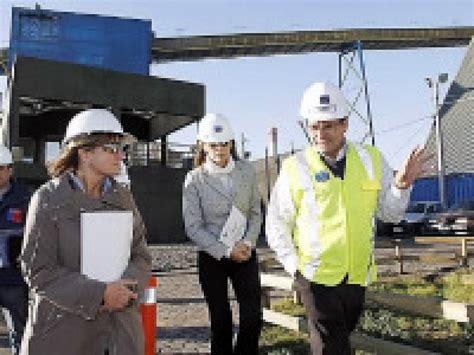 Ministra de Medio Ambiente visita Puerto Ventanas ...