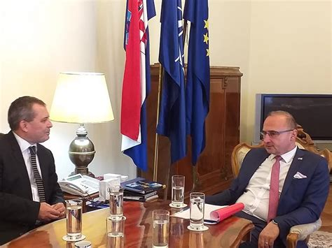 Ministro de Relaciones Exteriores de Croacia reitera a ...