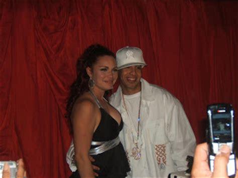 Mireddys Gonzalez  Daddy Yankee s Wife ...