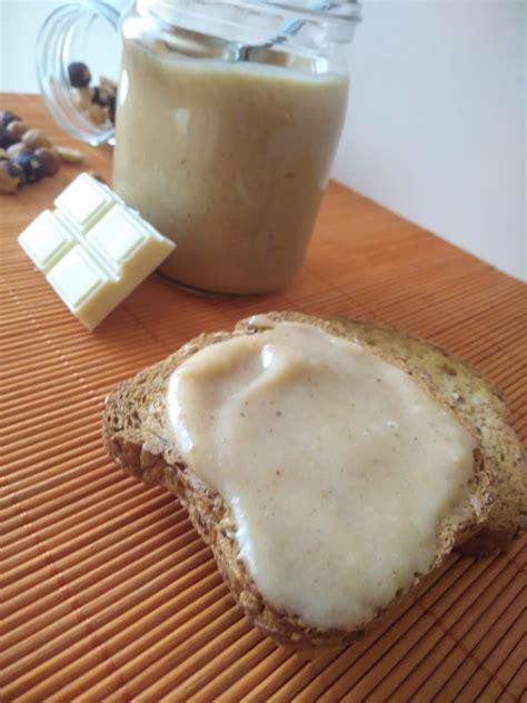 Mis Postrecillos: Crema de avellanas de chocolate blanco ...