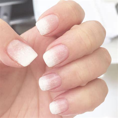 Mis uñas en Esmaltado permanente en degradé con brillos ...