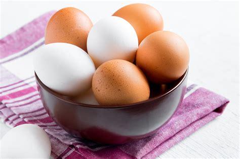 Mitos y diferencias entre los huevos blancos y de color ...