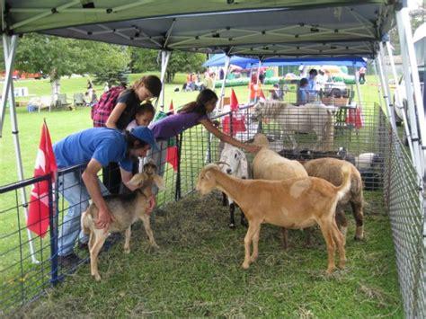Mobile Petting Zoo   Sundance Meadows
