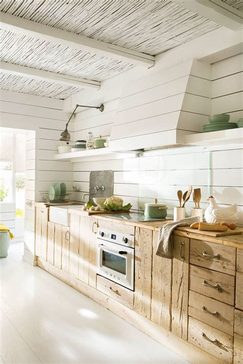 Mobiliario recuperado | Cocina blanca y madera, Diseño ...