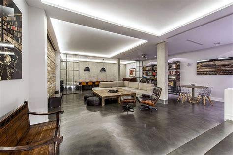 Modern Industrial Madrid Home Dressed in Concrete, Wood ...