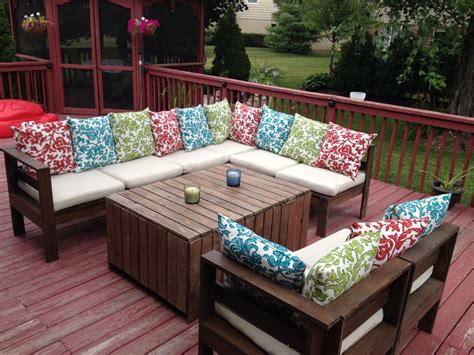 Modern Outdoor Sectional & Table | Do It Yourself Home ...