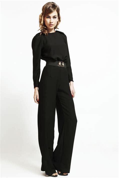 mono de fiesta negro con escote en espalda y manga larga ...