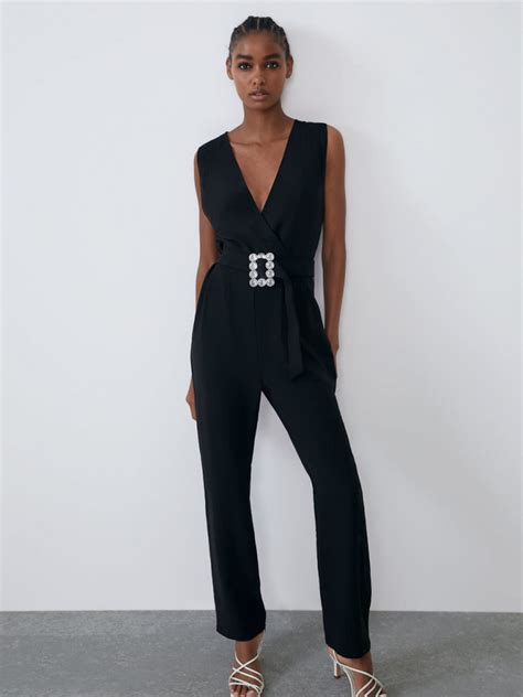 Mono negro de Zara para Nochevieja 2019 2020