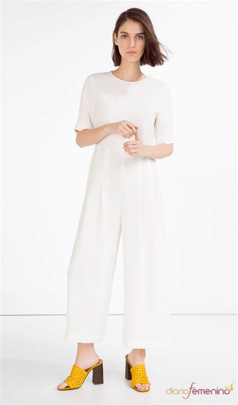 Monos largos de ZARA: el blanco, color ideal de primavera