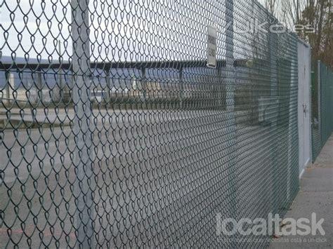 Montar valla metalica de 13metros largo x 2 alto ...