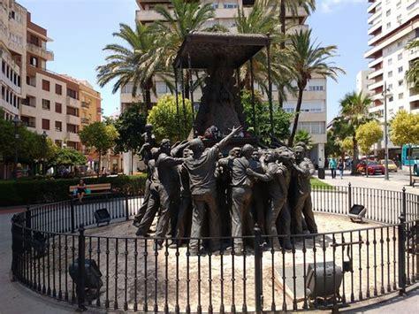 Monumento a la Virgen del Rocio  Huelva, Hiszpania    opinie