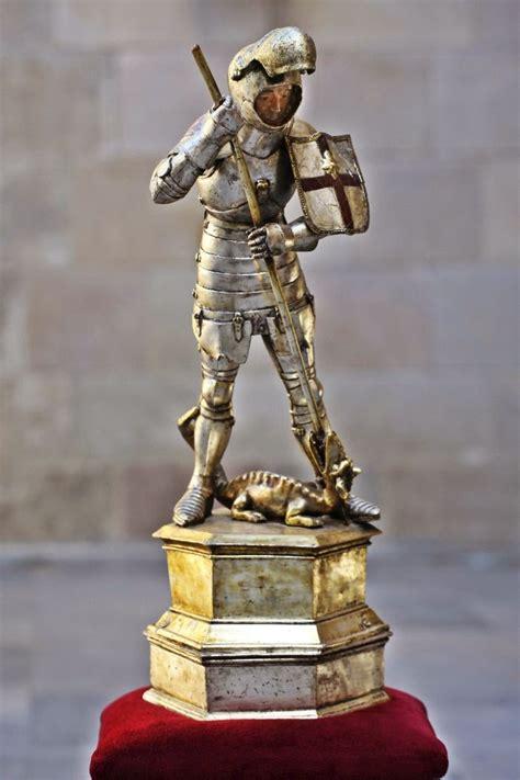 MONUMENTS DE BARCELONA: 17.  IMATGES DE SANT JORDI A BARCELONA