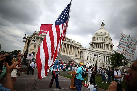 Most experts think America is more polarized than ever ...