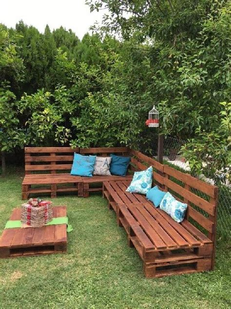 Most Interesting Pallet Garden Furniture Designs | Pallets ...