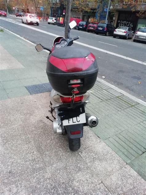 Moto 125 de segunda mano por 650 € en Centro Militar Araka ...