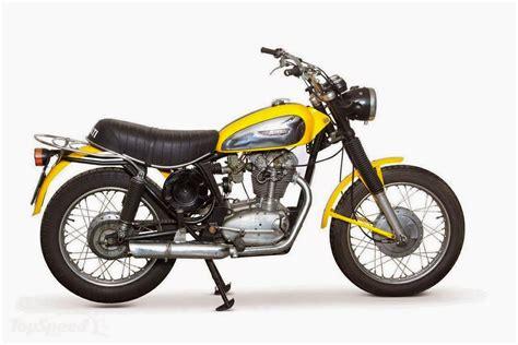 Moto Custom: Ducati Scrambler 1970 vs Classic 2015