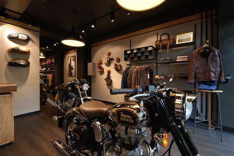 Moto vintage : Royal Enfield inaugure sa nouvelle boutique ...