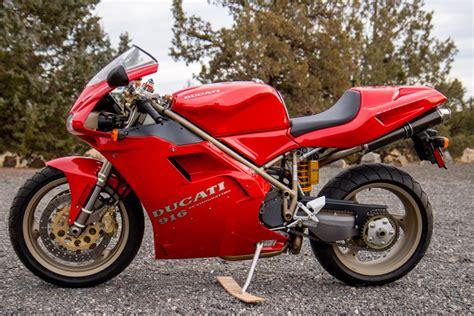 Motos de ensueño a la venta: Ducati 916S de 1997 con 550 km