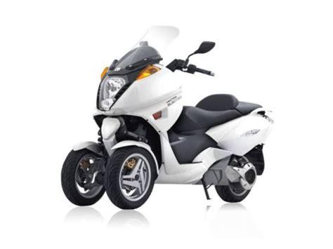 Motos eléctricas de tres ruedas a la venta en España ...