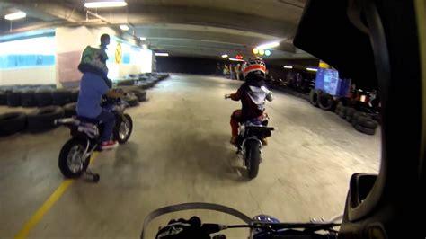 Motos para niños en City Plaza.   YouTube