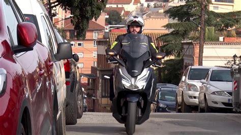 Motosx1000: Test Honda Forza 300   YouTube