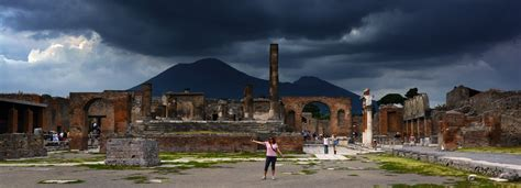 Mount Vesuvius: The Monster Behind Pompeii   Anxious ...