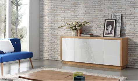 Mueble Aparador lacado con acabado en chapa natural