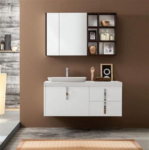 Mueble de baño con espejo de almacenamiento | IDFdesign