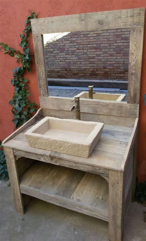 MUEBLE de BAÑO hecho con madera de palet reciclada con ...