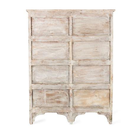 Mueble de madera vintage con cajones para almacenamiento.