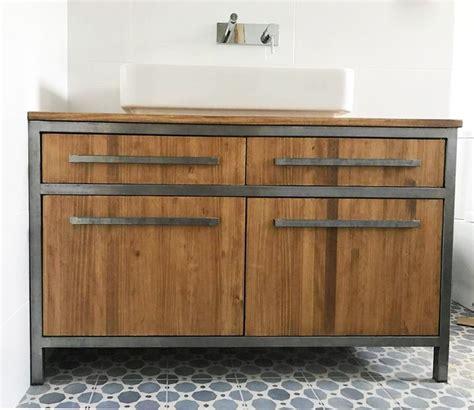 Mueble lavabo a medida con estructura de hierro y madera # ...