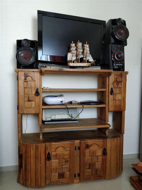 Mueble Para Tv En Madera Natural   $ 750.00 en Mercado Libre