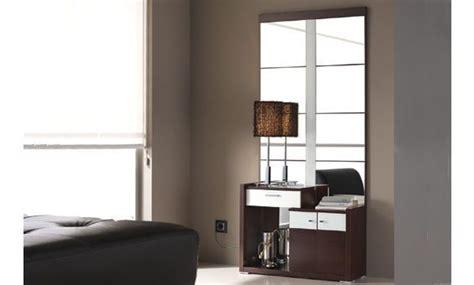 Mueble recibidor fabricado en color wengué combinado con ...
