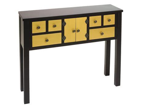 Mueble recibidor negro con cajones amarillos estilo oriental