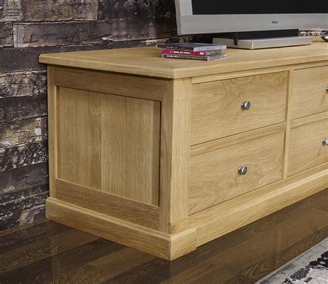 Mueble TV Lorenzo fabricado en madera de roble macizo ...