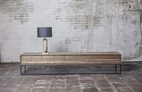 Mueble TV ONE Madera y Hierro. Materiales reciclados