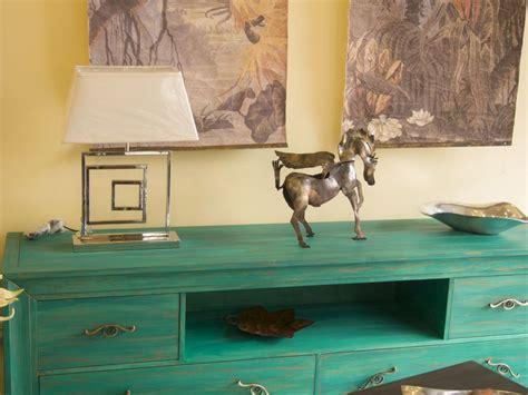 Mueble TV, pintado a mano color verde esmeralda, patinado ...