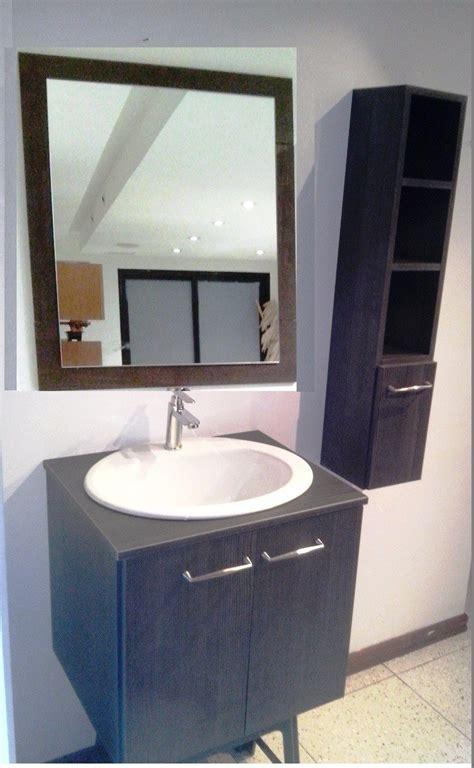 Muebles De Baño Con Lavamanos   Bs. 1,25 en Mercado Libre