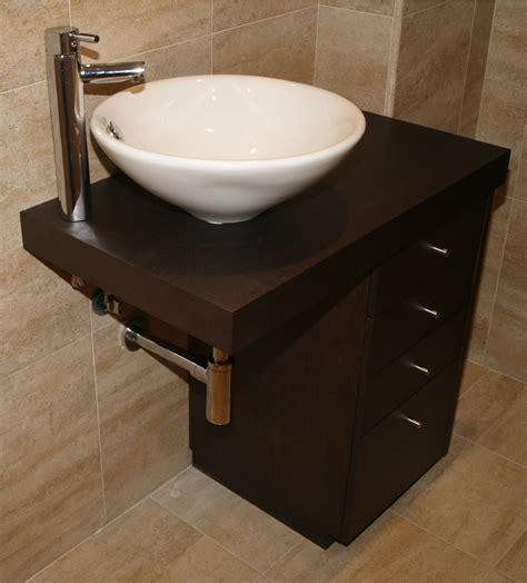 Muebles de baño en wengue a medida | Vetta Grupo