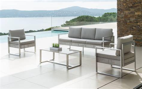 Muebles de jardín de aluminio: ¿cómo mantenerlos?   Eminza