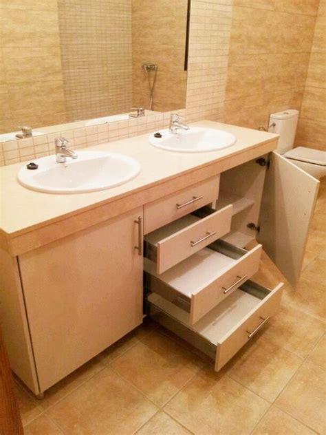 Muebles de lavabo de madera a medida para tu baño EMEDEKÚ