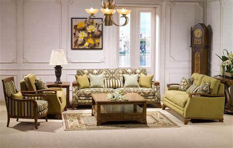 Muebles de salón clásicos :: Imágenes y fotos