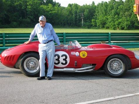 Muere Carroll Shelby, leyenda del motor y creador del Cobra
